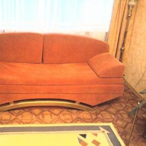 Продаются два раскладных дивана оранжевого цвета